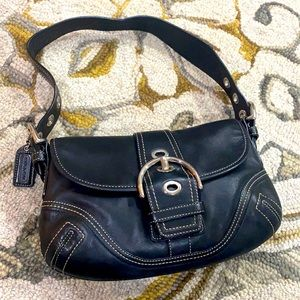 💕 Coach black leather medium hobo purse 💕